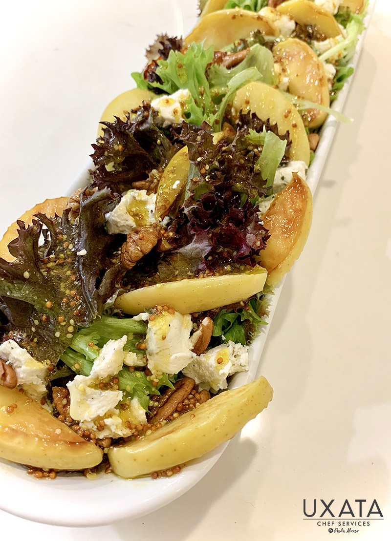 Green leaves, caramelized pears, toasted walnuts and feta cheese salad, by UXATA Personal Cook