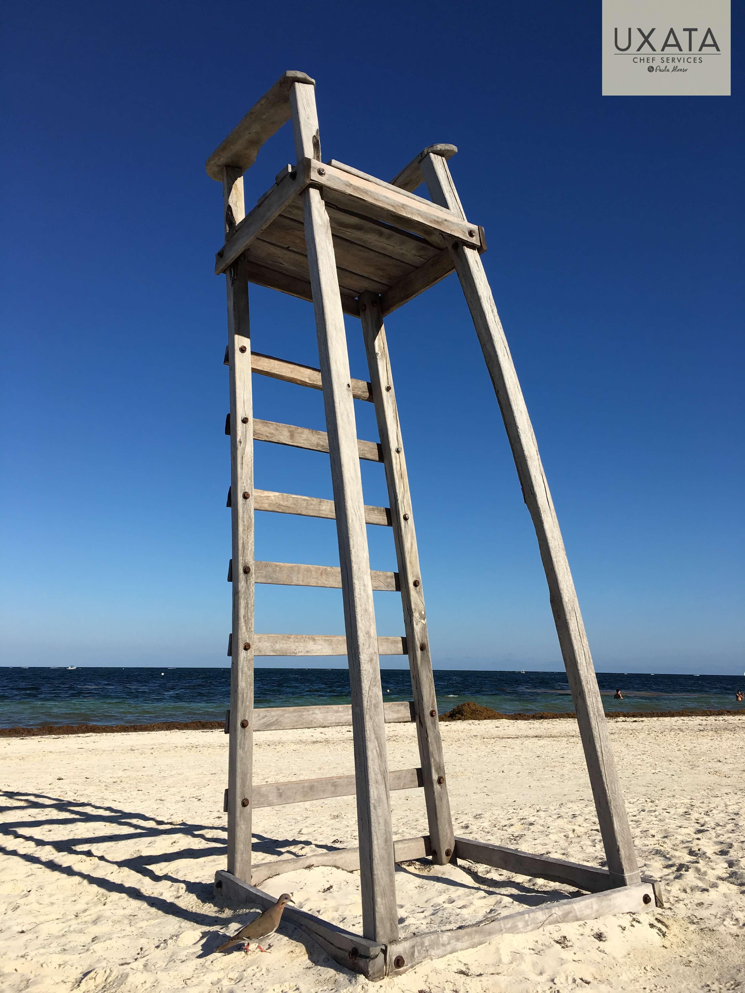 Puerto Morelos lifeguard chair beach and sea